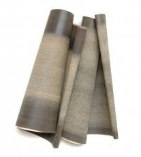 2 bandes de papier de verre noires